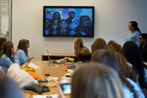 Indian student skype with American students